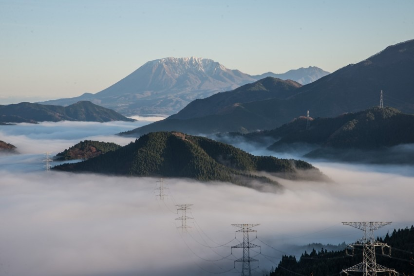 雲海に浮かぶ大山