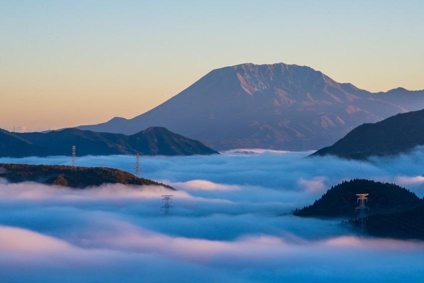 雲海と大山