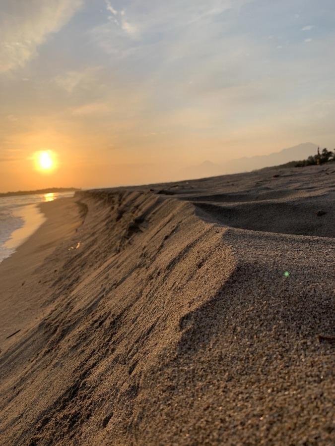 春の日の出と弓ヶ浜海岸