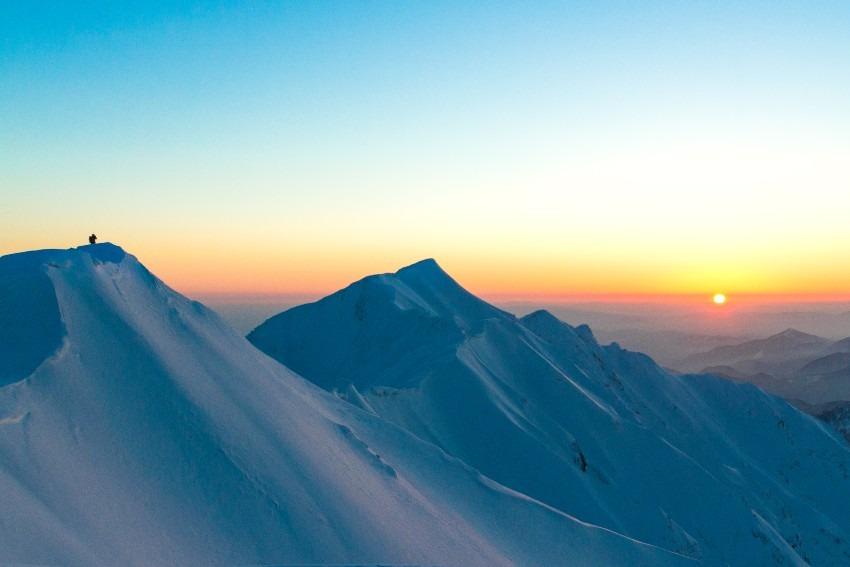 大山山頂から眺める朝焼け
